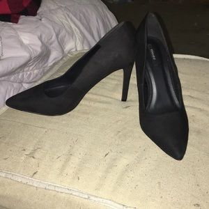EUC forever 21 size 10 black suede pump, 4 inches